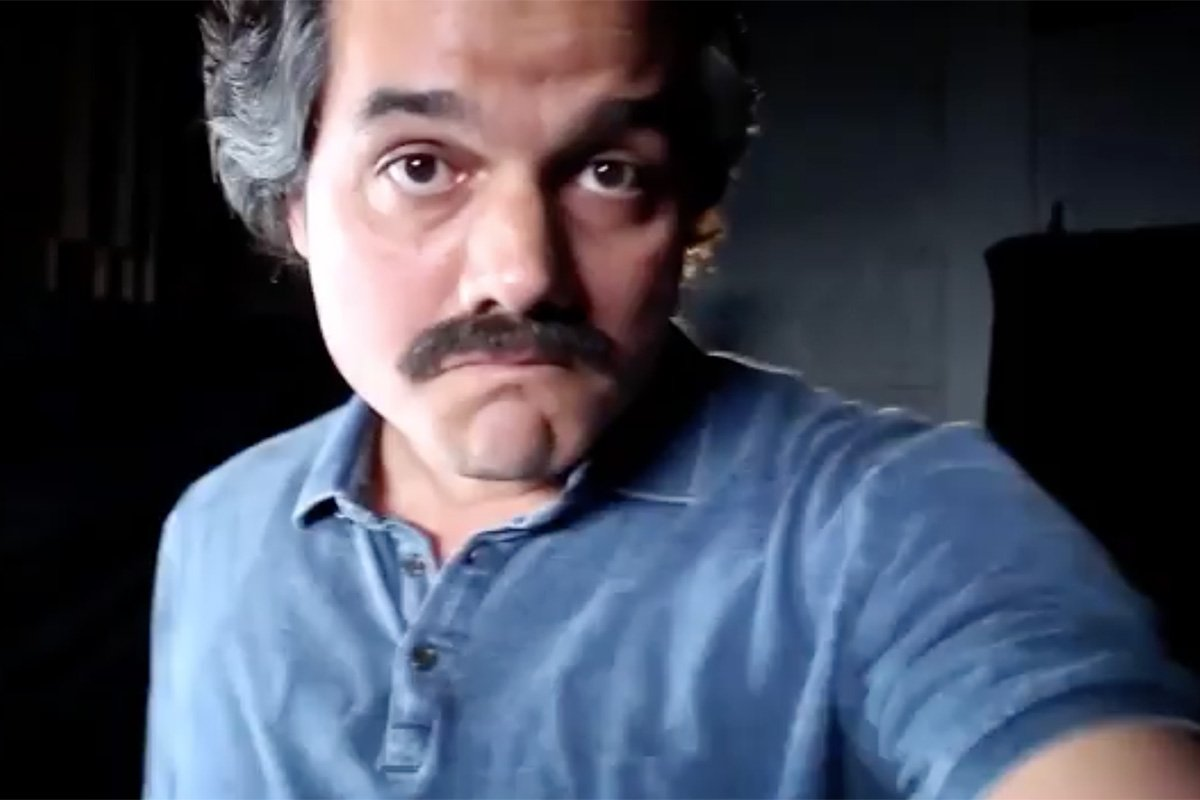 Creativity Pick: Did you see the creepy meta preview of @NarcosNetflix on Facebook Live? https://t.co/16BoCU4ajp https://t.co/byR4DVwljW