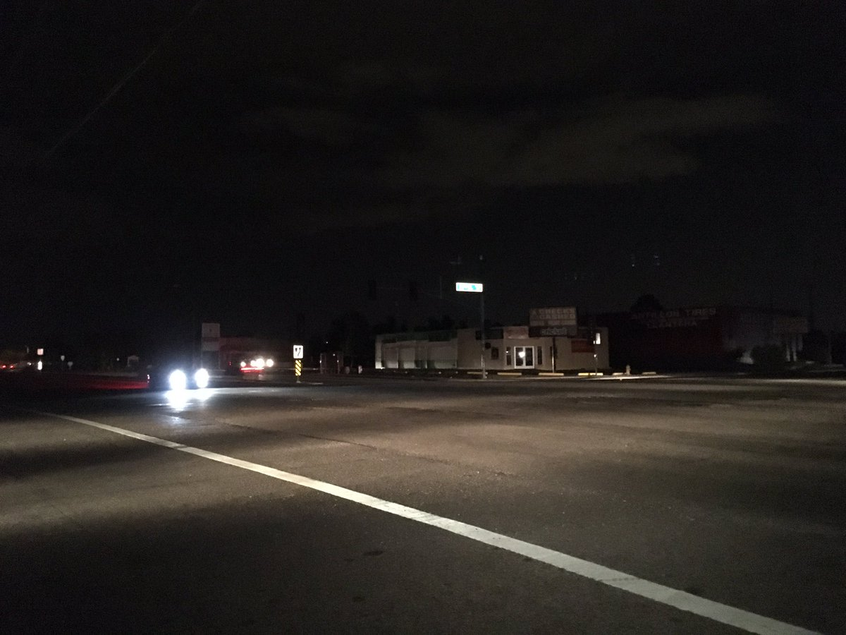 Power's out in north Phoenix affecting nearly 12,000 people. Lights are out here at 32nd St./Greenway. abc15