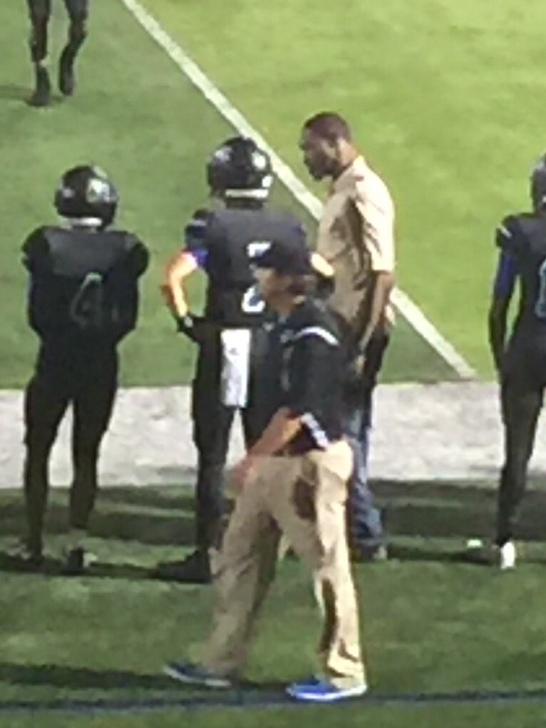 After talking to the kids at N Forney, I decided to support them on the Sidelines and we came away with a W 50-21 https://t.co/bvm6T53jSc