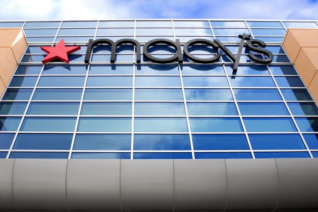 Is your local @macys on the closures list? https://t.co/4Cs1T0YPF6 https://t.co/PqhtY5PSEF