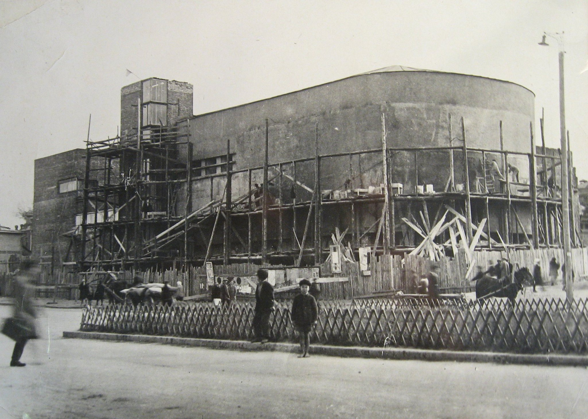Кинотеатр центральный фото здания внутри иваново время цыганских