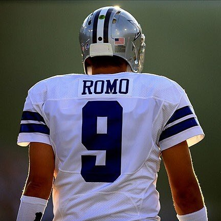 Just in case you forgot.... THIS.... IS MY QB.. ALWAYS... We love you @tonyromo https://t.co/bDOwYmXRrR
