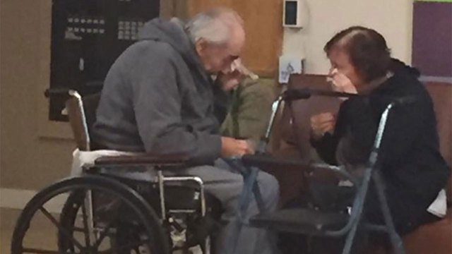 Heartbreaking photo of elderly couple forced to separate.