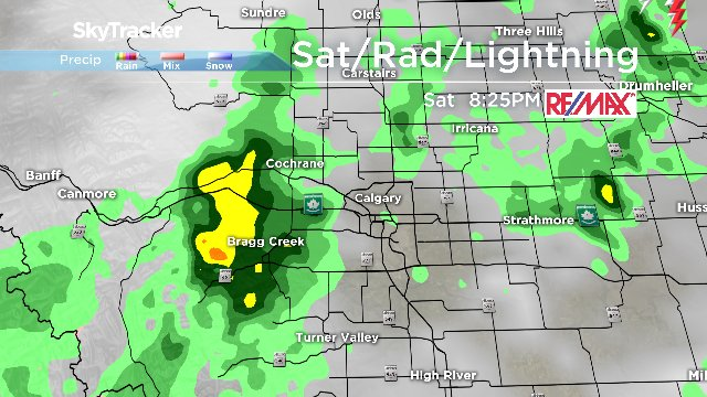 Rain just coming in to the west side of yyc. Expect we might see some lightning from this system. yyc