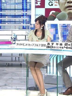 本田朋子話に聞き入る画像