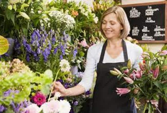 J+7 -  Occitanie – Christine Guérin ouvre une boutique fleuriste https://t.co/KSY3fRm5TA