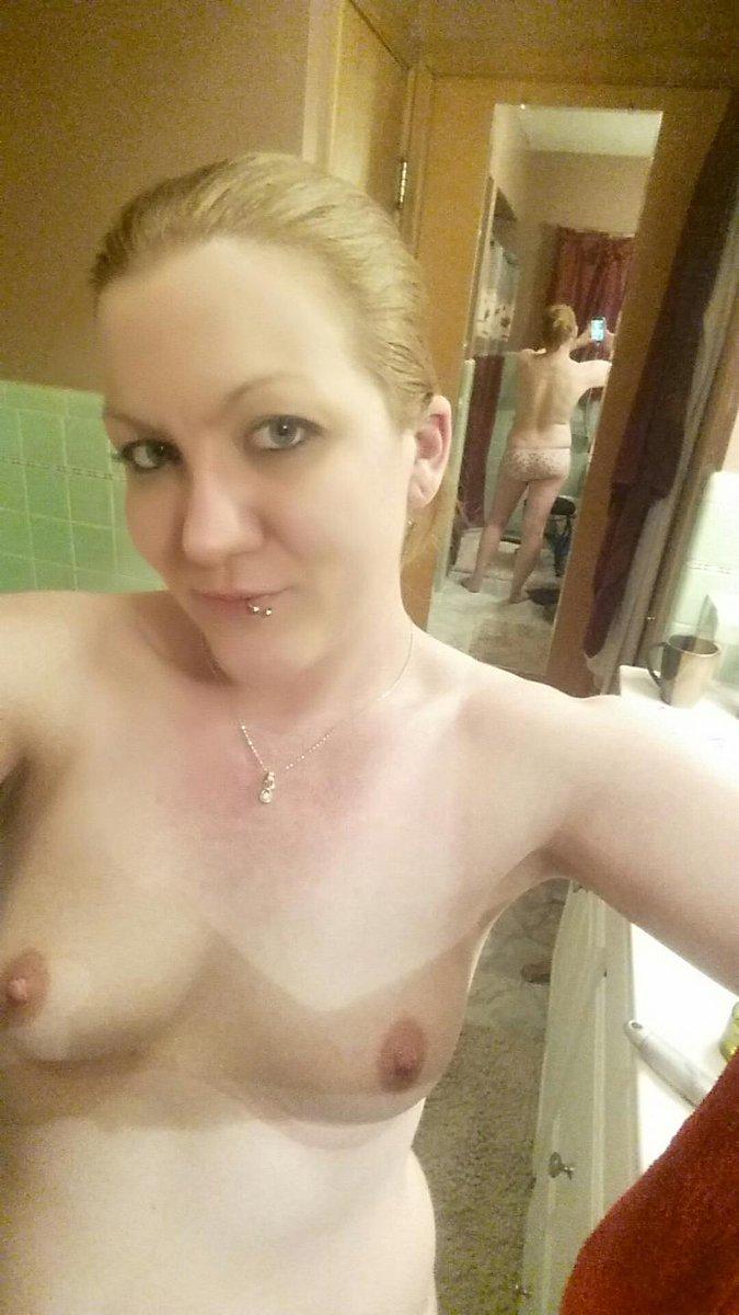 Nude Selfie 8067