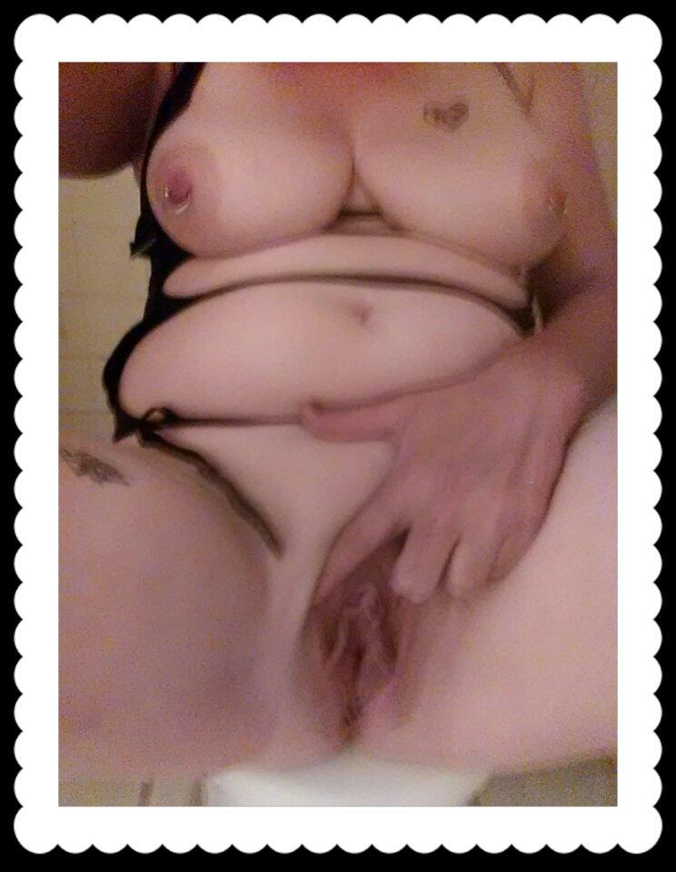 Nude Selfie 8103
