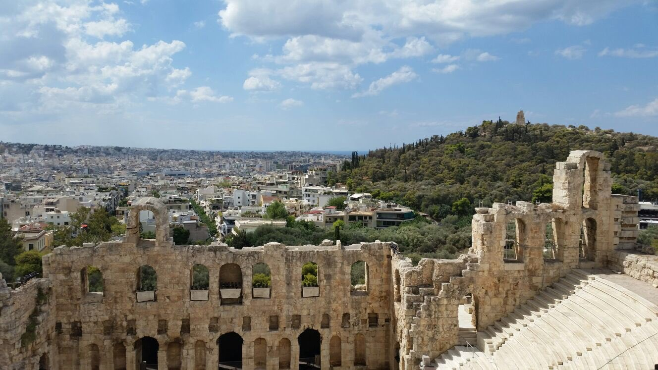 RT @ThamKhaiMeng: The world's a stage. View of Athens from the Theater of Dionysus. https://t.co/Bt8zrsU6Jw