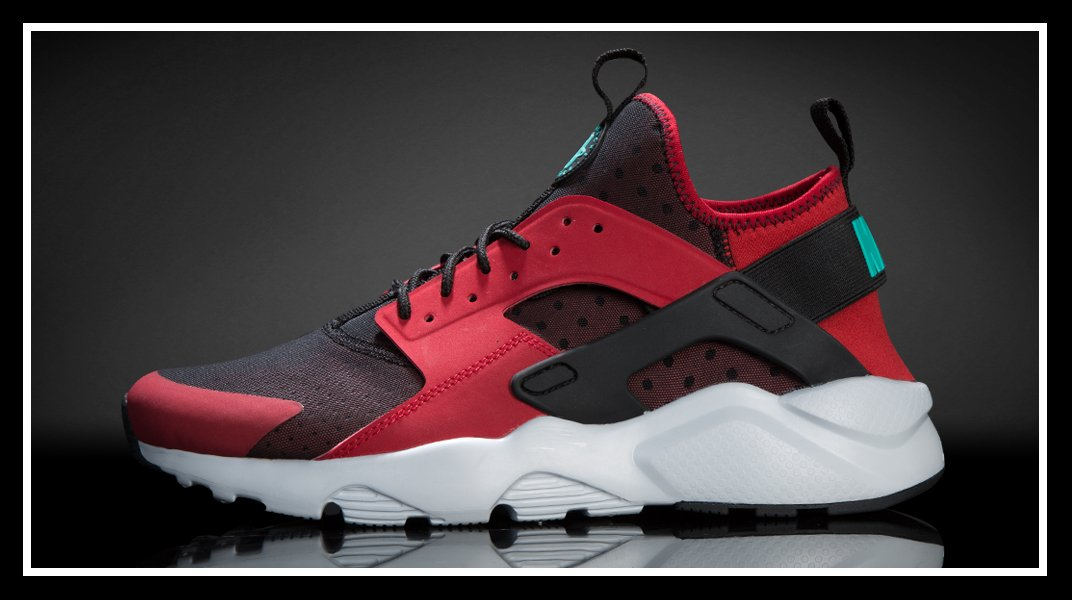 4f8c1c5a900e ... nike air huarache champs  Champs Sports on Twitter