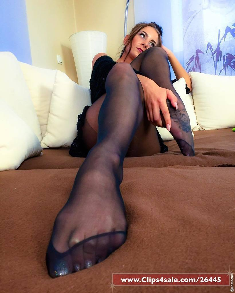 Foot Job In Nylons