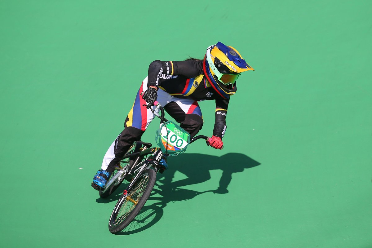 .@uci_cycling BMX World Champion from #COL @marianapajon went the fastest on the @Olympics #BMX Track ! #Rio2016 https://t.co/8oWL6CmNnz