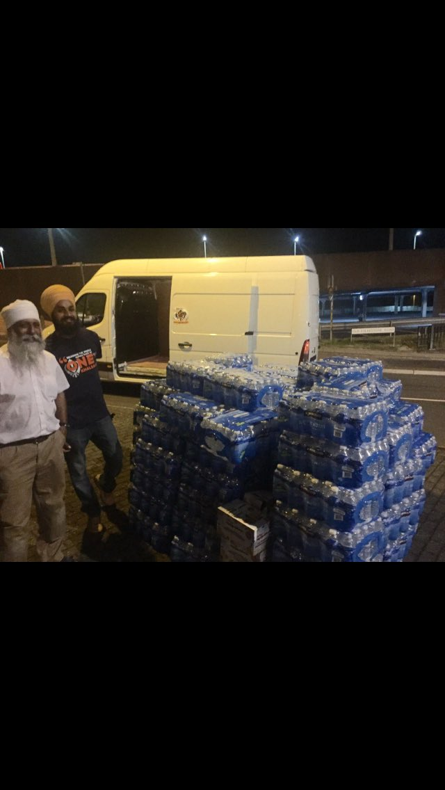 Good job that water delivery to #UFC202 press conference was late 😂 #UFC202 #EIRE #notorious #maclife
