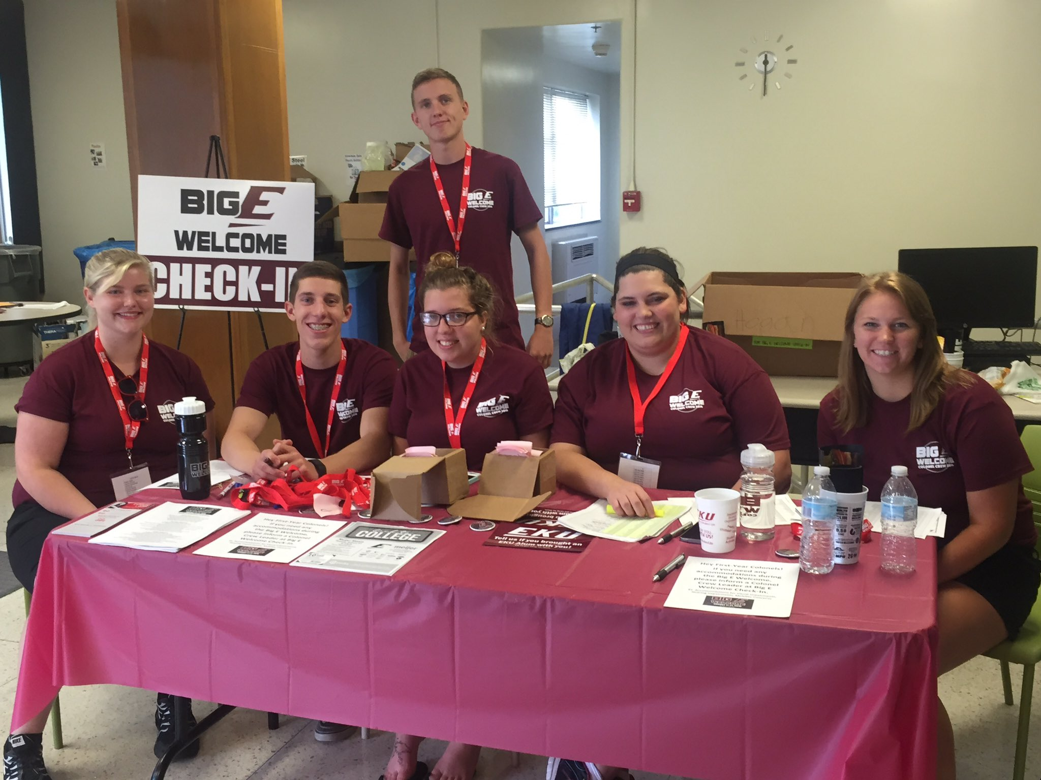 Our stellar Colonel Crew Leaders are having a blast helping #EKU20 check-in for the #BigEWelcome!! https://t.co/4IaW0EqOzh