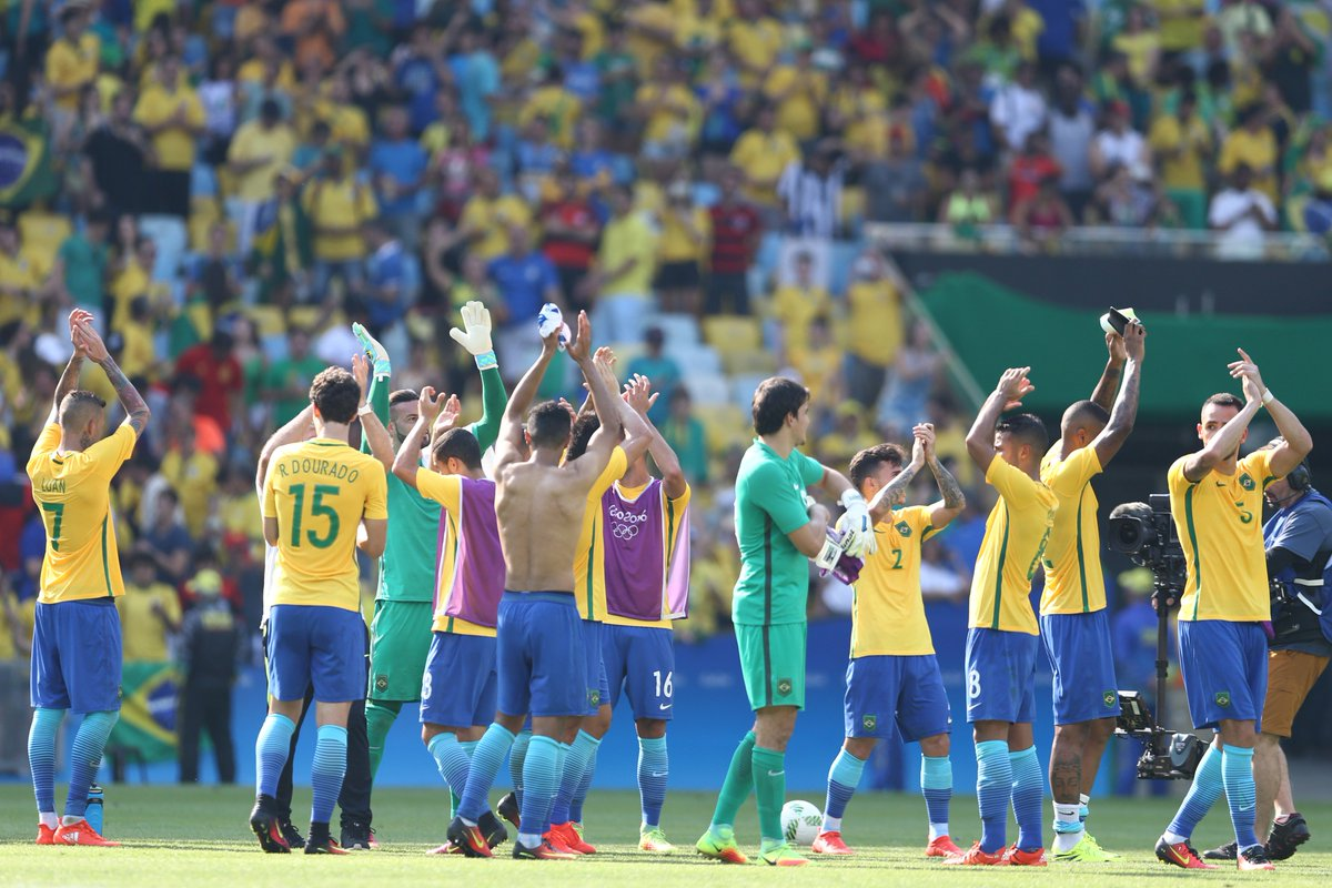 A torcida brasileira deu show no Maracanã e merece muitas 👏👏👏👏  #Rio2016 #Futebol #Brasil #Seleção #EmBuscadoOuro
