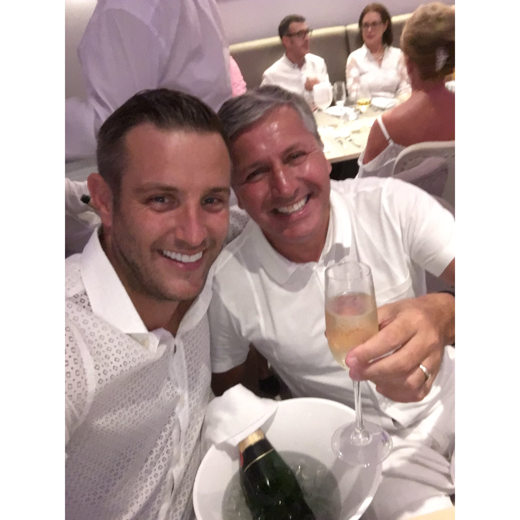 Yes or no??? Who's tuning in to @ITVBe for @ElliottW_PIM pim 30 mins to go!!! #PlayaInMarbella #FatherInLaw??? https://t.co/t2TPhFEx0A