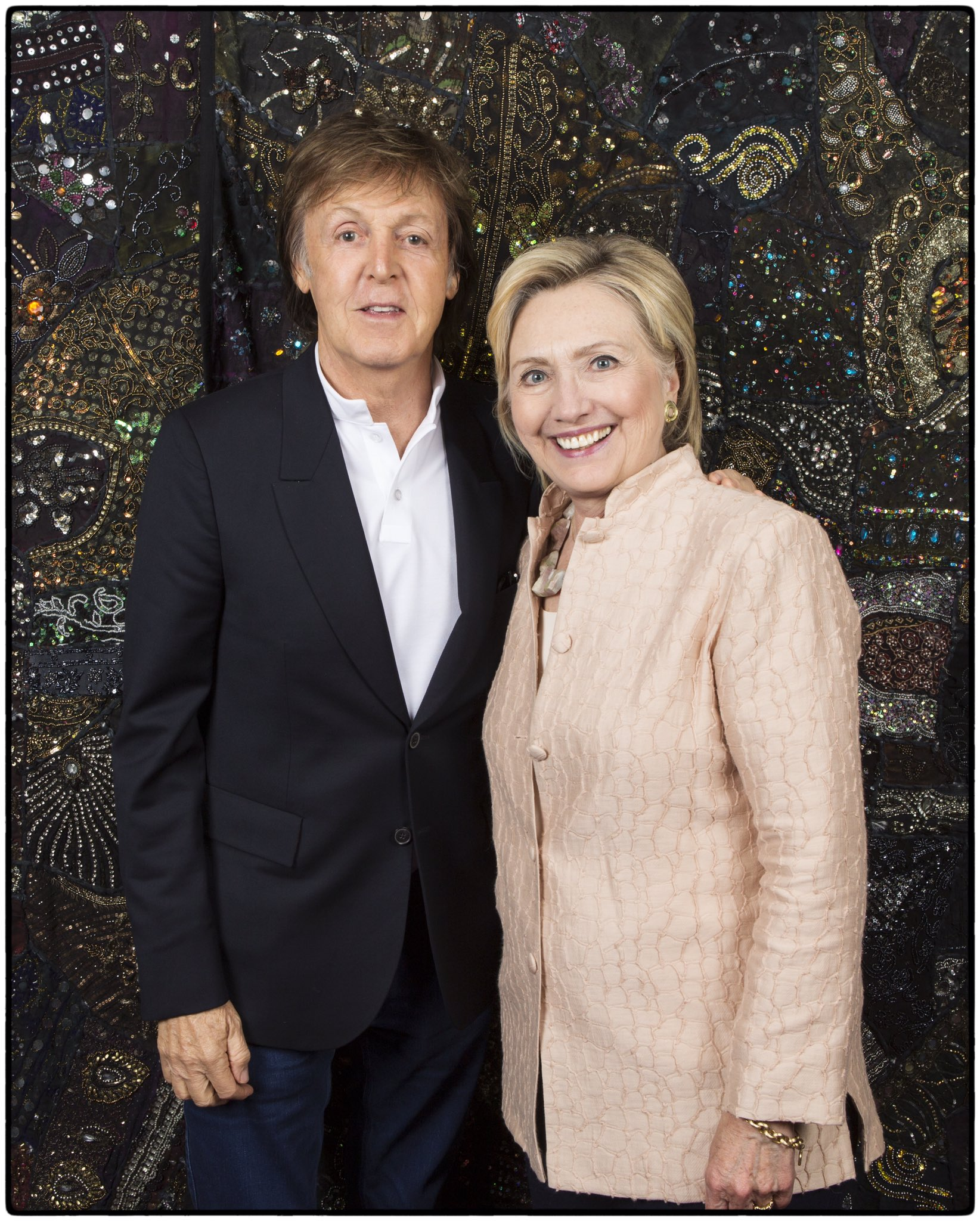 Paul McCartney apoya a Hillary Clinton