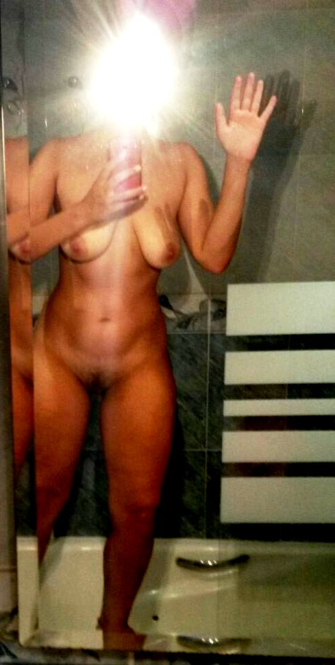 Nude Selfie 7771