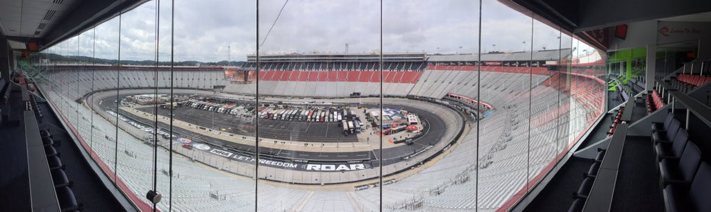Calm before the storm (not literally let's hope) @BMSupdates. Ready for #NETNTour, THE night race! #ItsBristolBaby https://t.co/1NqlR4rxcu