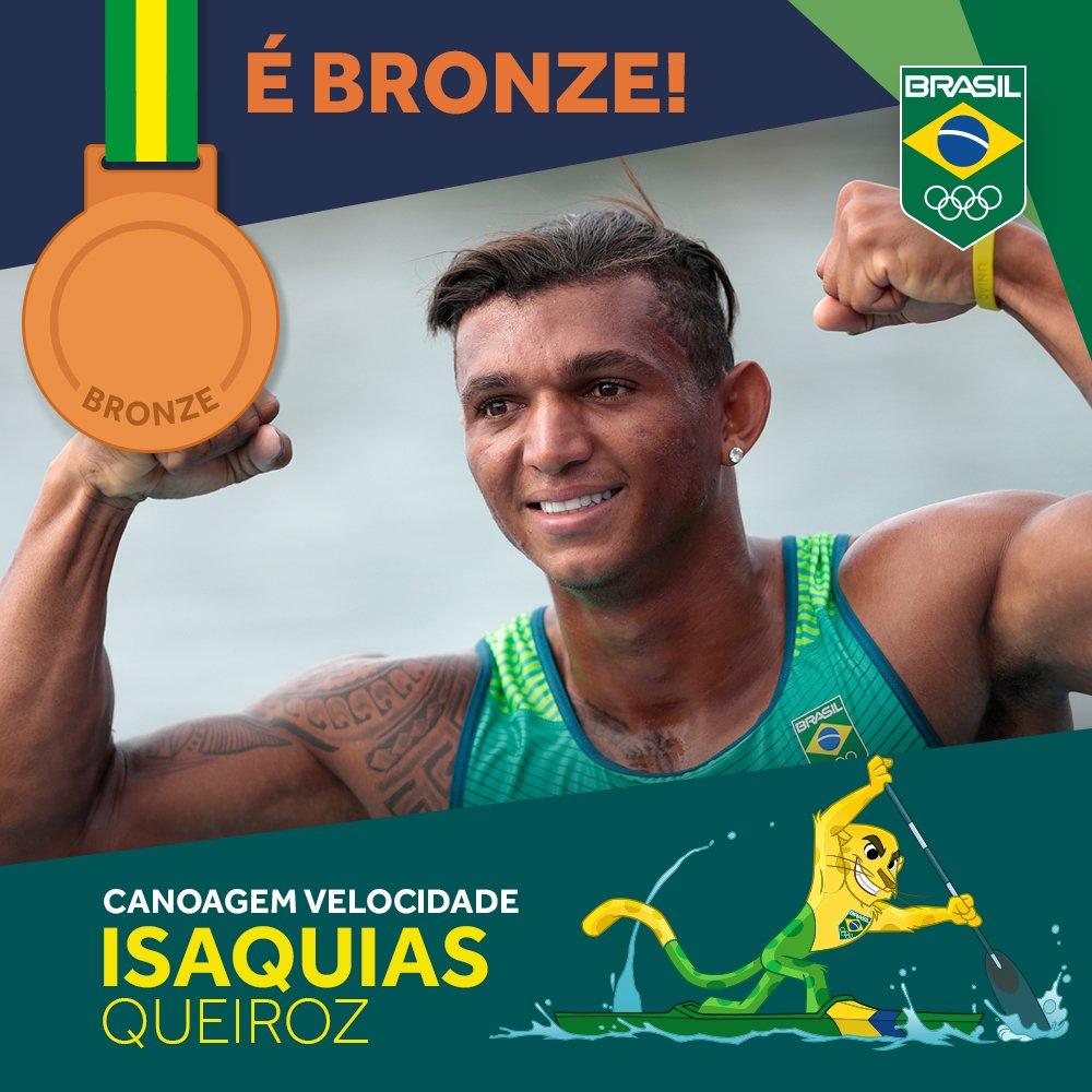 É #bronze! Isaquias Queiroz 🇧🇷 é 3º na #canoagemvelocidade C1. Parabéns, Isaquias! 👊👏🙌 #EuSouTimeBrasil