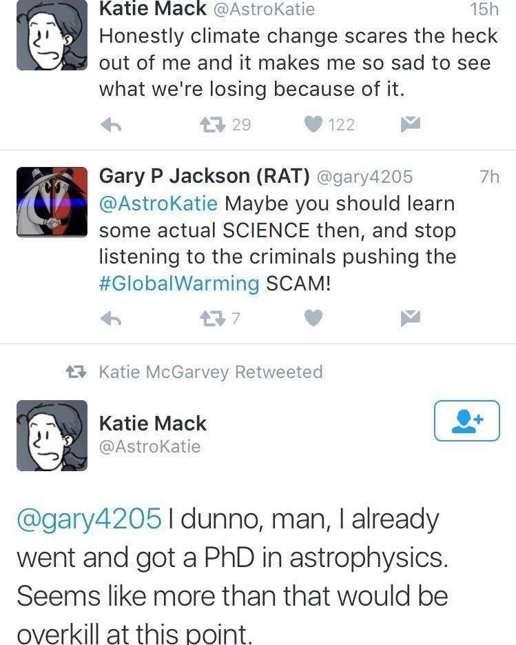 Twitter: mandan a una astrofísica a aprender ciencia, al Papa a leer la biblia y le explican Harry Potter a Rowling