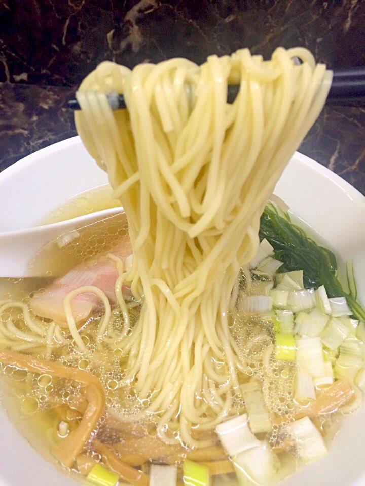 えんや@王子 ずっと食べてみたかったこちらの塩らーめんを食べてきました(≧∇≦) うま塩なスープに細麺ストレート!こりゃーたまらんなぁ〜。