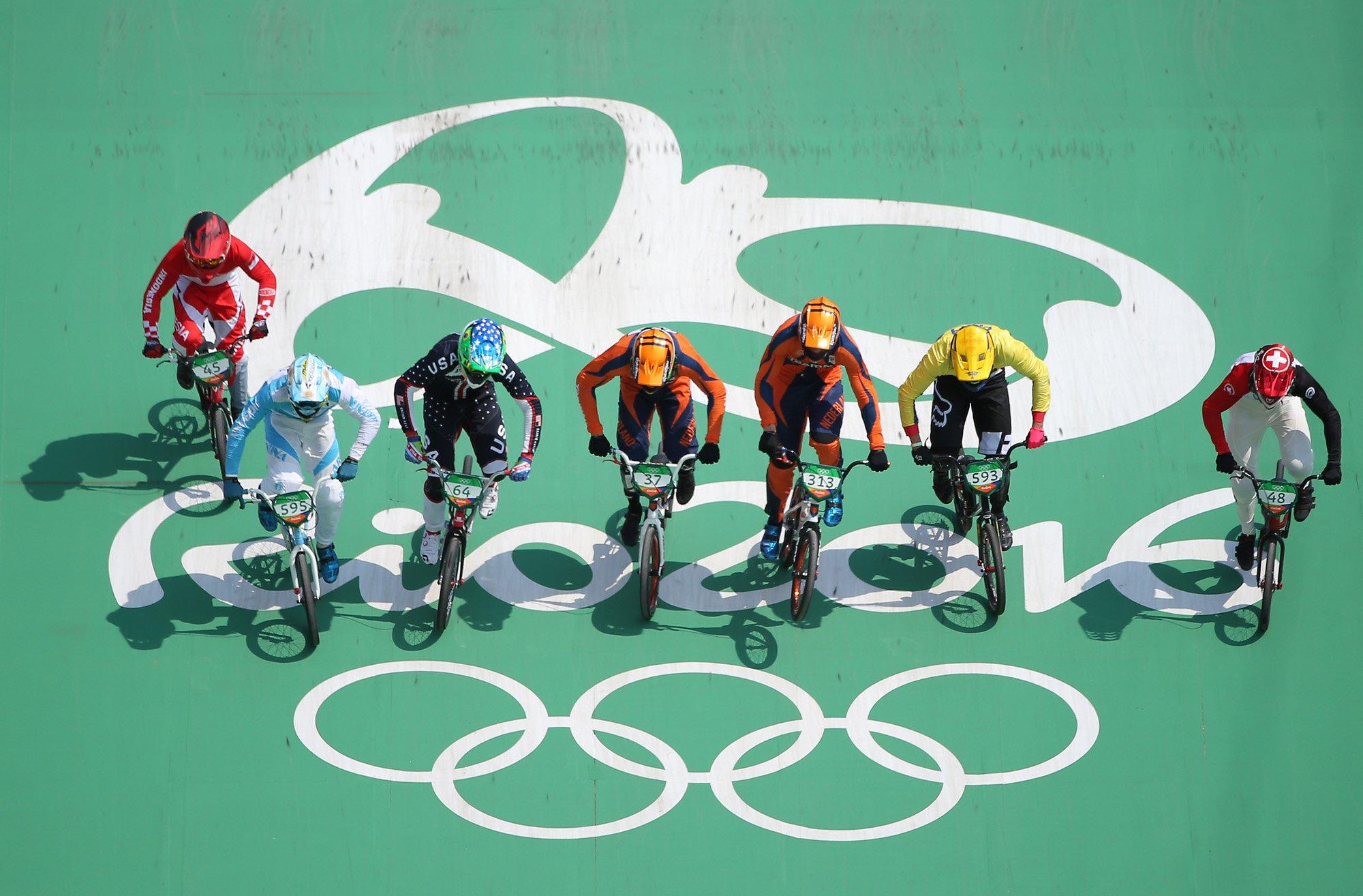 Competidores en inicio de la pista. Foto: uci.ch