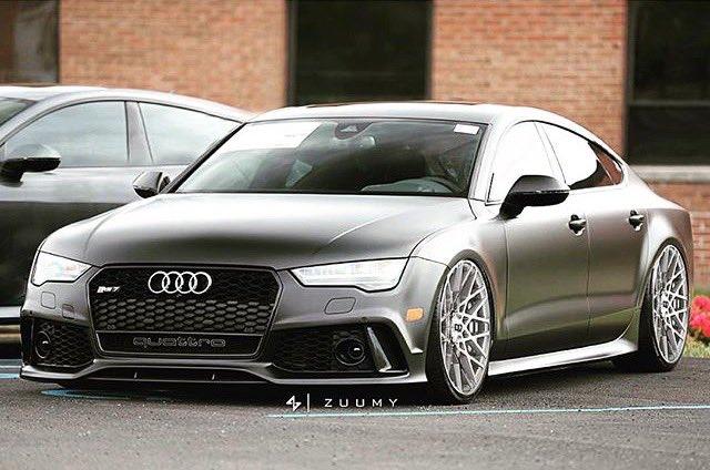 Audi RS7???? https://t.co/jFaPJBOcaV