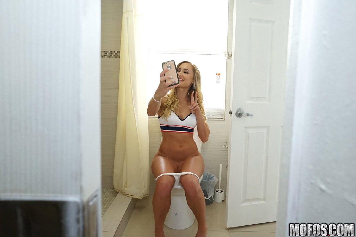 "Avalon Heart Porn Pics girls on the toilet on twitter: "" avalon heart"