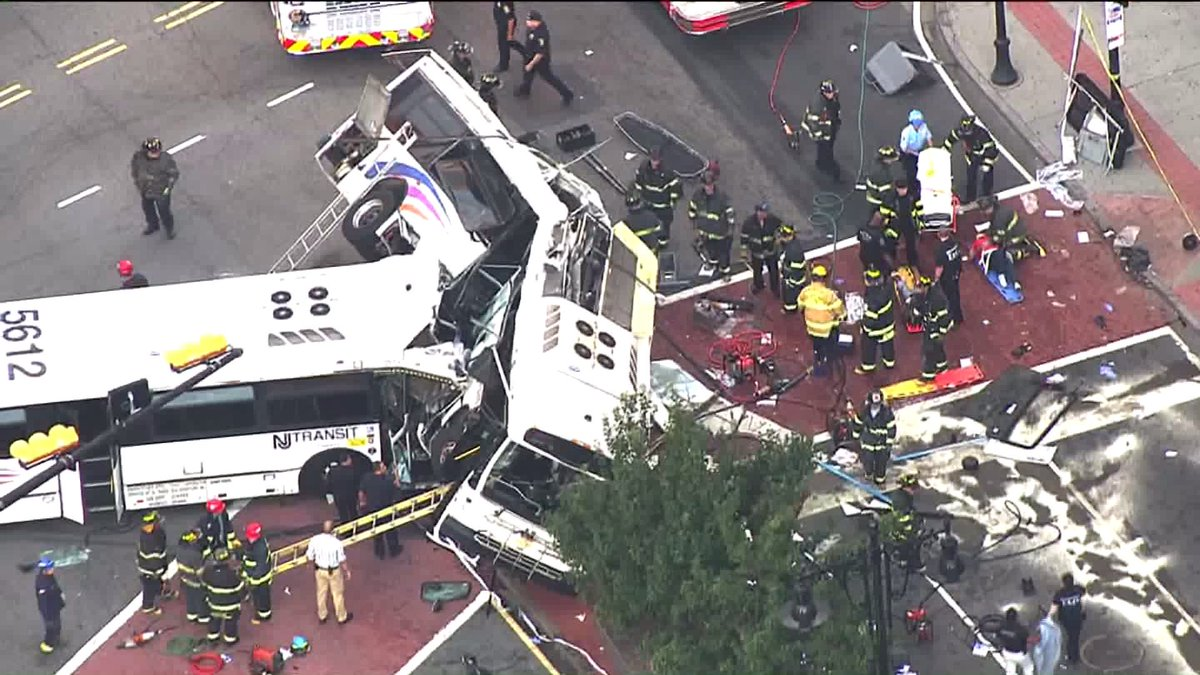 #BREAKING UPDATE: NJ Transit bus driver killed when buses collide at Newark intersection https://t.co/X8cjcgAAPm