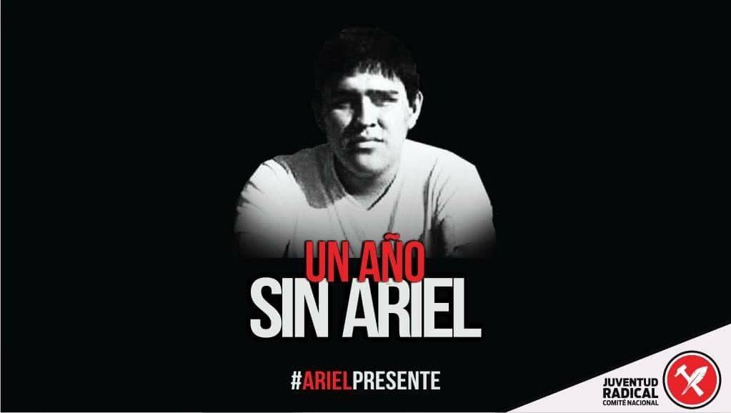 A Ariel lo mataron la intolerancia y la impunidad. A un año tenemos memoria y pedimos justicia. #ArielPresente https://t.co/12joYI3zxF