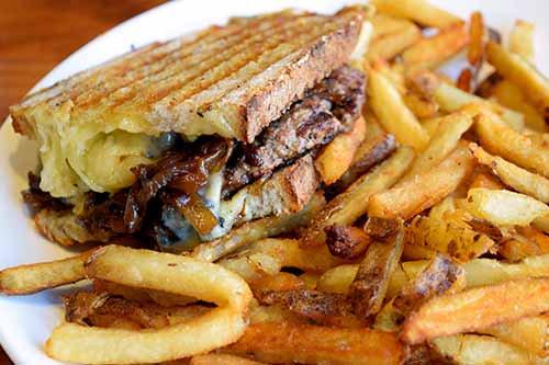 Best Burger in Chi @TimeOutChicago @eaterchicago next up #HamburgerHop...