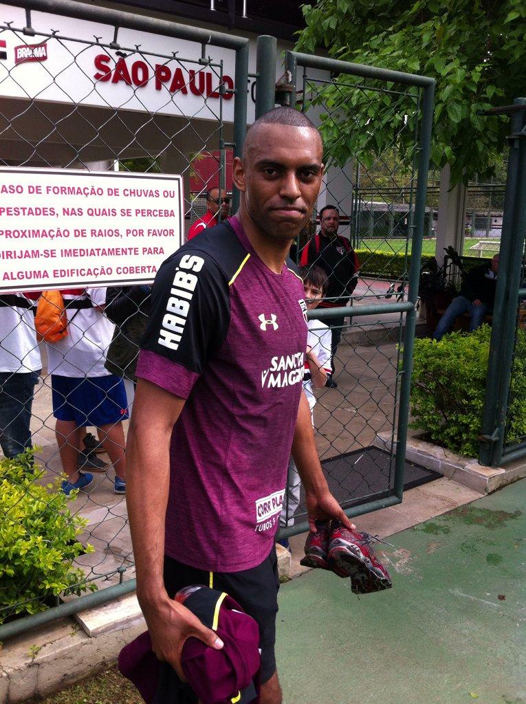 Fifa aprova transferência e São Paulo registra zagueiro no BID