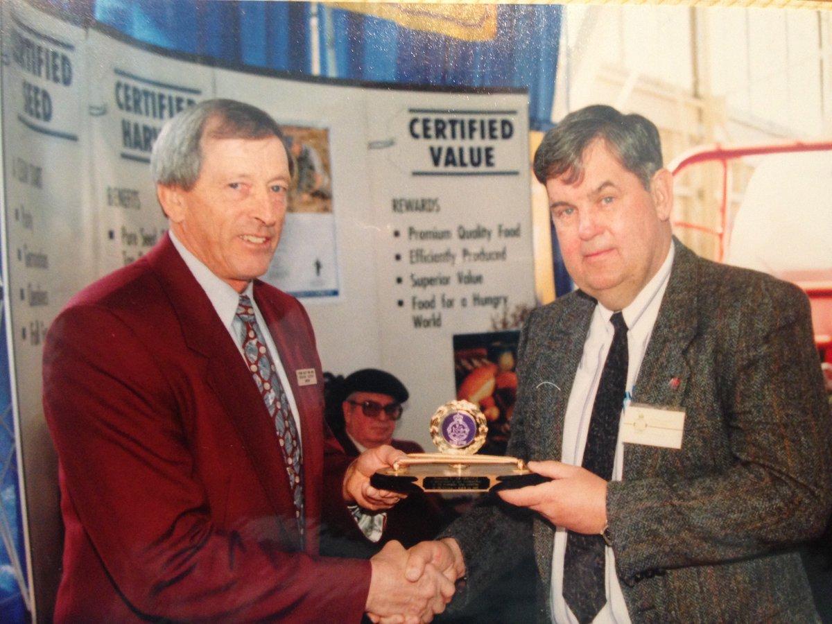 #fbf Graham Hudson recognizing Jim Arbuckle for establishing our Prestigious Pedigreed Seed Sale 1991 #OVSGAhistory https://t.co/AsUQdS9ias