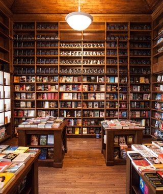 For #WorldPhotoDay, this picture is worth thousands & thousands of words (inside these beauties at @BooksandBooks) https://t.co/OLeBTpHN8p
