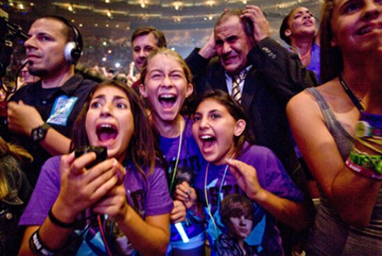Still one of the best ever photos: Dad at a Justin Bieber concert. #WorldPhotoDay https://t.co/1JsLDXBiwP