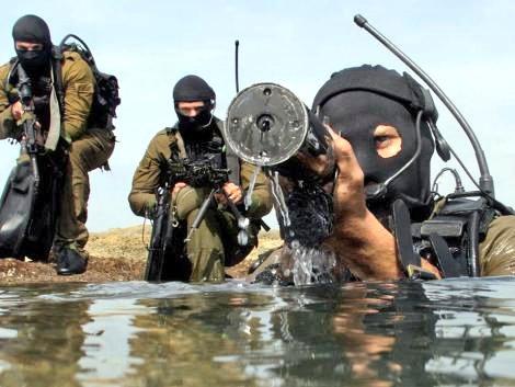 """وحدة النخبة البحرية في الجيش الإسرائيلي: """"السرية 13"""" ........Shayetet 13 CqPge9sWIAABK4A"""