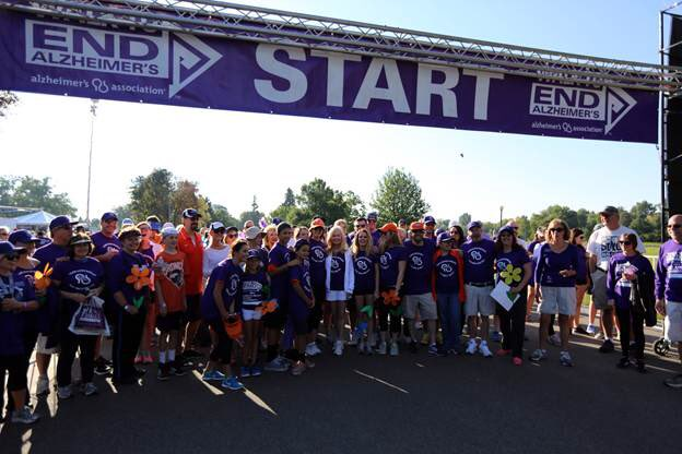 Be part of Team 'Super Bowlen' for the Walk to End Alzheimer's on Sat....