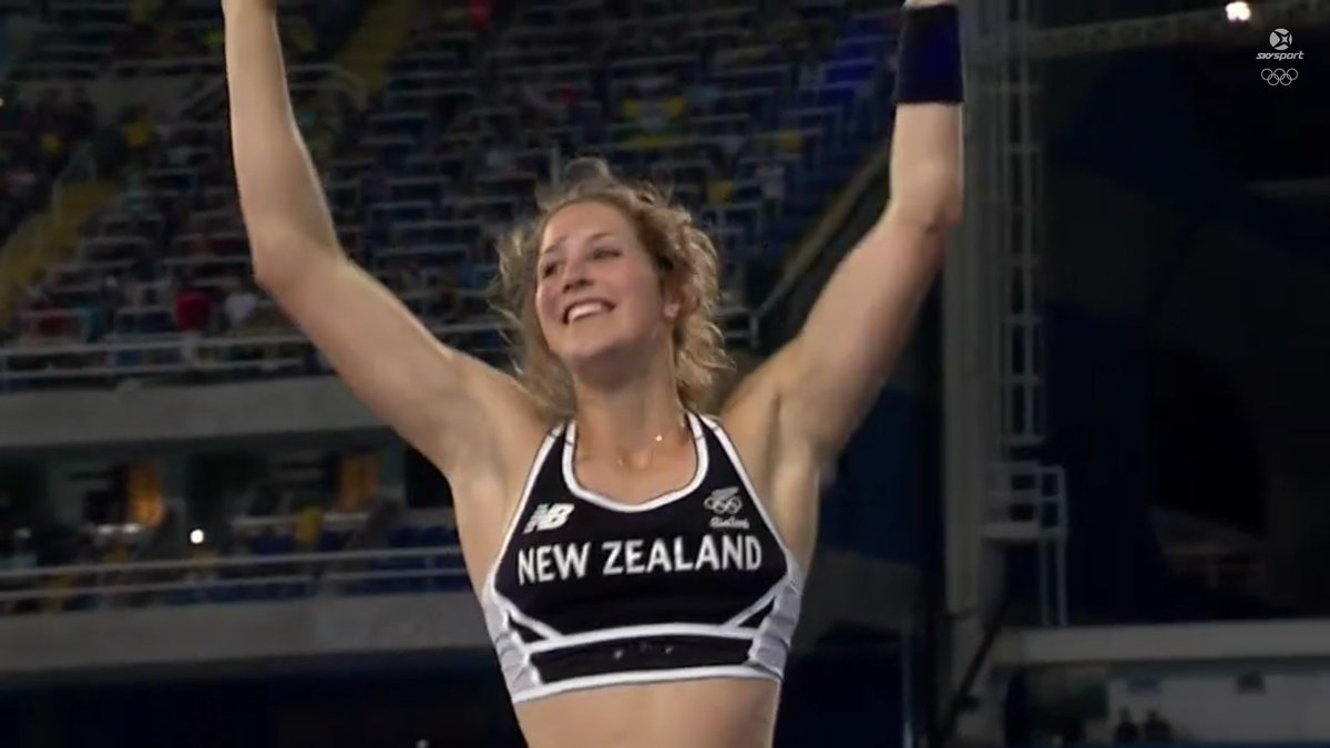 YOU ABSOLUTE LEGEND!!!!!!!! SOOOOO PROUD ELIZA!!!!! #BRONZE #RIO2016 https://t.co/c6cAQWo9Xs