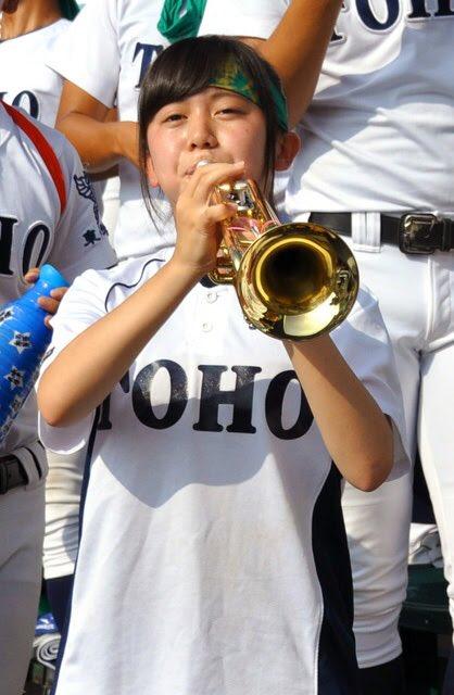 東邦の藤嶋くんとマネージャーさんがリアル青空エールすぎて本当に微笑ましい #高校野球 #甲子園 https://t.co/4P7ThtOmJa