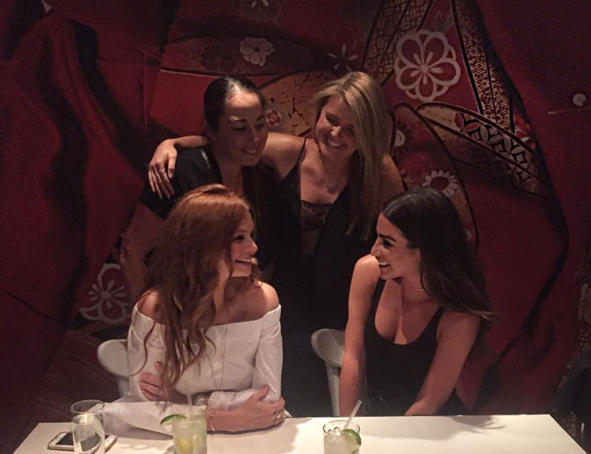 @msleamichele knows how to do #girlsnight right at #Katsuya #Hollywood. #sbecollection #katsuyahw #losangeles https://t.co/J9MVz8iGeR