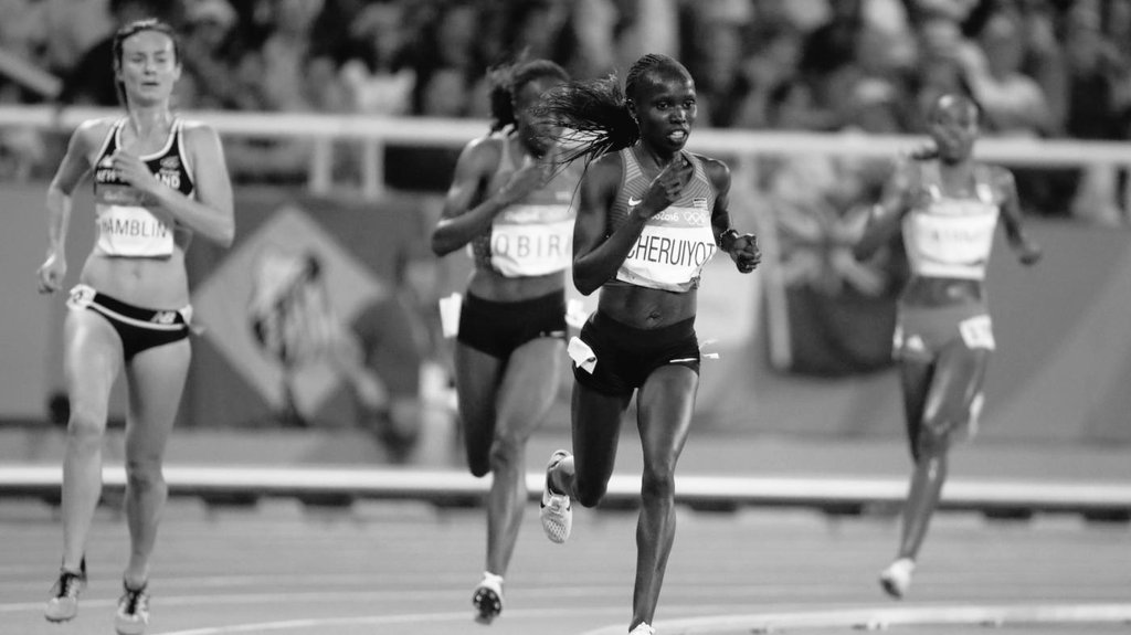 Queens, you jolted us from our slumber, delivered the #gold & the #silver lining. Hongera Cheruiyot, Obiri. #teamKe https://t.co/ELKKt8oXUy