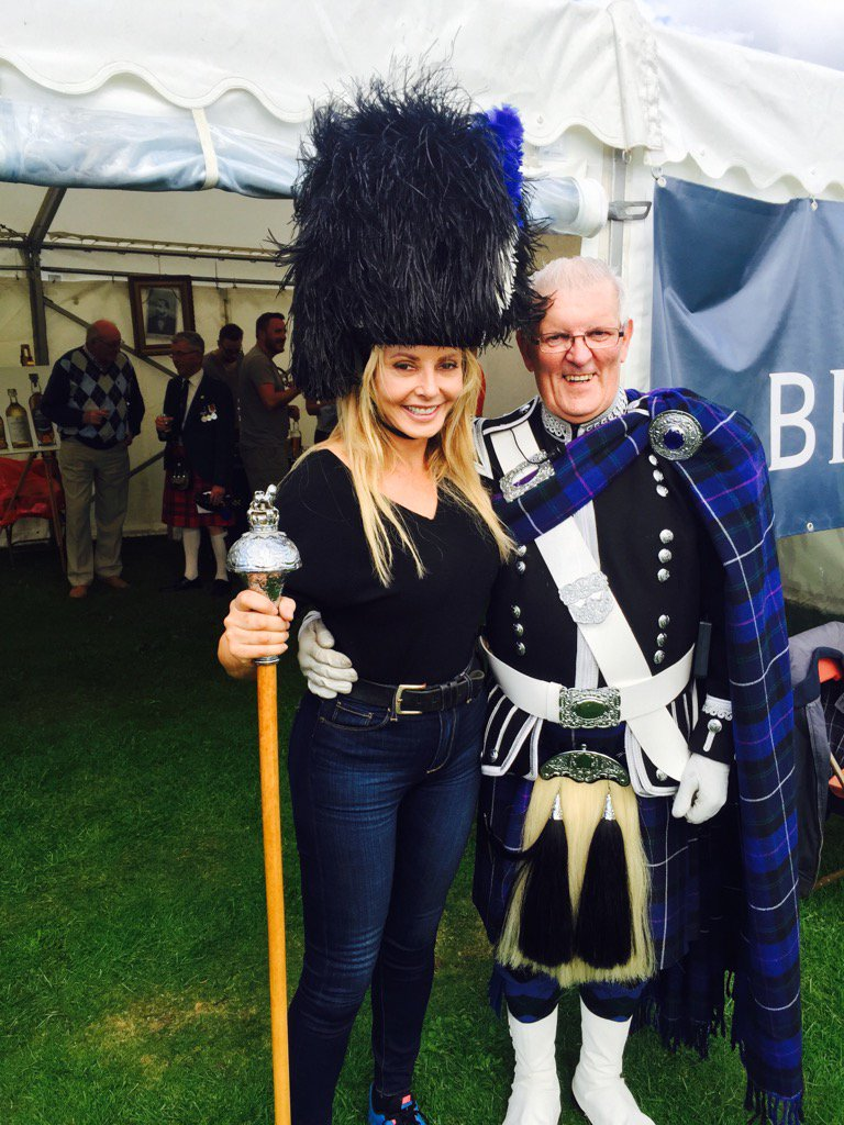This is lovely John....Nairn Highland Games......xx wahoo https://t.co/xHDCUv2xtG