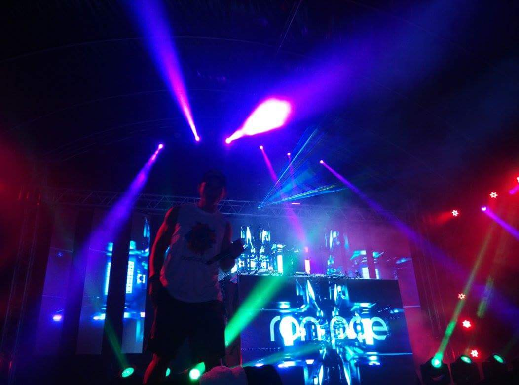 Roda King and Ron Poe rule the stage! #ArcadiaxRaveolution #Arcadia #raveolutionph #kadayawan https://t.co/tPMSiIEYqH
