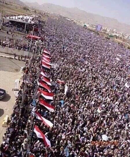 ملايين اليمنيين يهتفون ضد العدوان السعودي على أراضيهم CqTWCHxXEAA1FW7