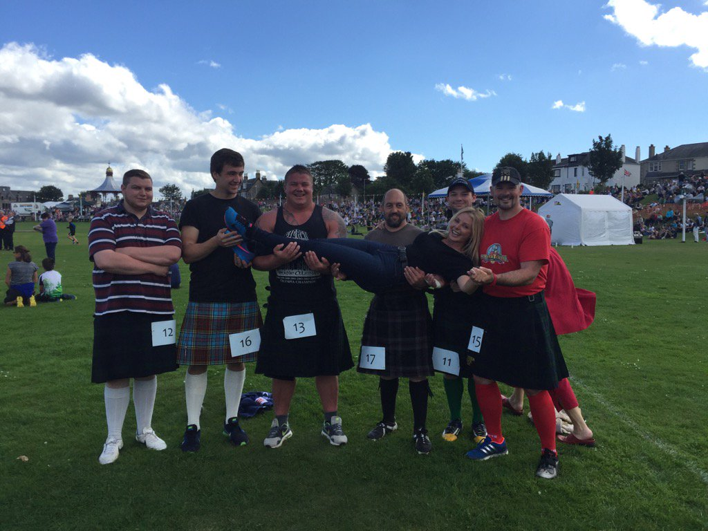 "Having the best time at the Nairn Highland Games...the ""heavies"" looking after me well!! 😃 https://t.co/NGuAtc1YdS"