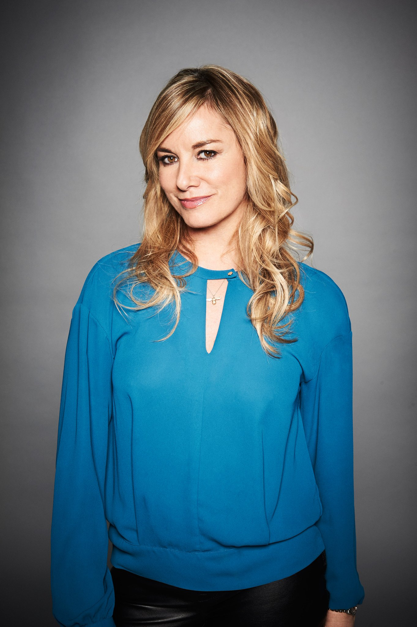 RT @DiscoveryIDUK: Catch up with @mouthwaite tonight on ID from 6 till 9! #Dateline with Tamzin Outhwaite! https://t.co/0HwcCE4sdV