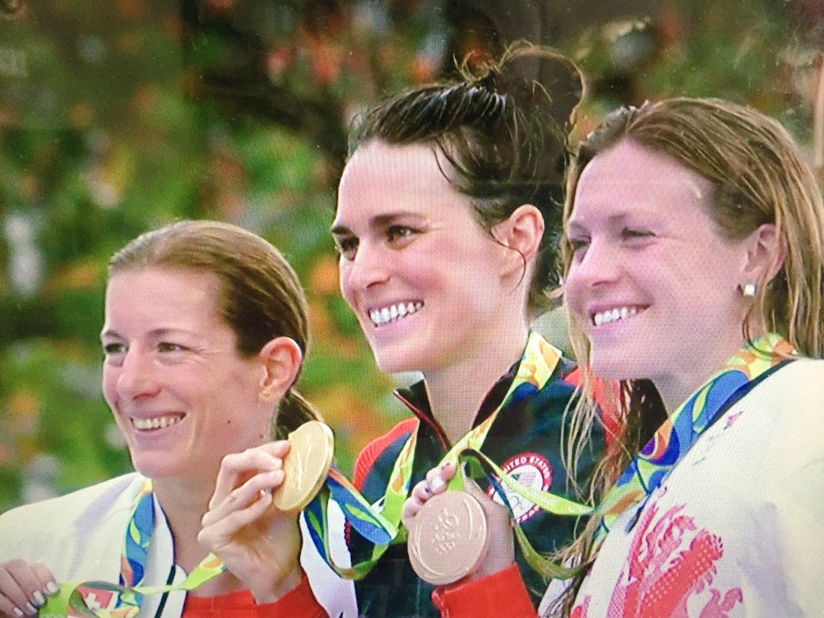 HISTORIC DAY! @gwenjorgensen with @usatriathlon 1st ever @Olympics #Gold medal! @TeamUSA #Rio2016 #triathlon https://t.co/8saIIcfRbp