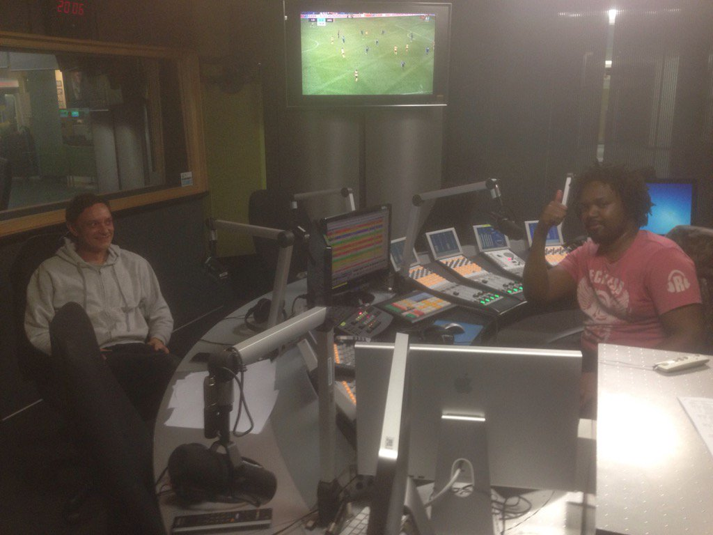 Nothing much just chilling with the one and only @RalfGUM :) @METROFMSA #danceculture https://t.co/L8XaxQnrHT