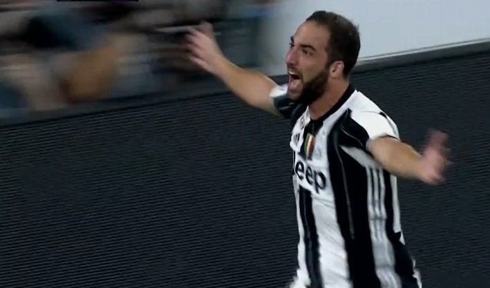 Juventus-Fiorentina 2-1: Higuain entra e segna il suo primo gol allo Stadium